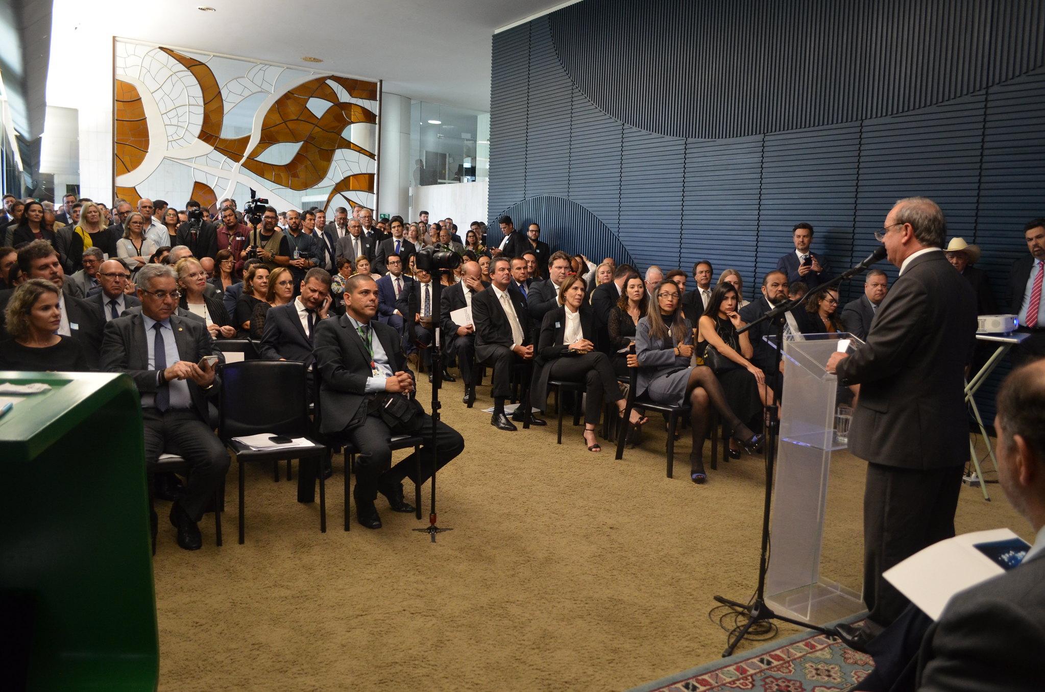 Lançada Frente Parlamentar que deve destacar a relevância da atividade notarial brasileira e fomentar a desjudicialização de processos